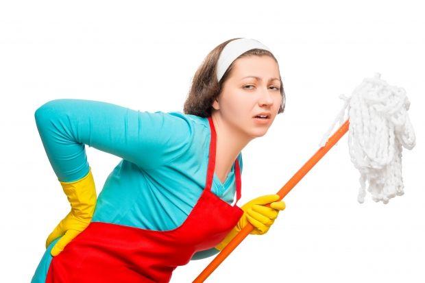Uzmanlar uyarıyor: Ev işleri 'fıtık' etmesin! - Beyin ve Sinir Cerrahisi Uzmanı Prof. Dr. Yunus Aydın bel ve boyun sağlığını korumak için ev işleri yaparken nelere dikkat edilmesi gerektiğini anlattı, önemli önerilerde bulundu. http://www.hurriyetaile.com/fotogaleri/sizin-icin/uzmanlar-uyariyor-ev-isleri-fitik-etmesin-3290