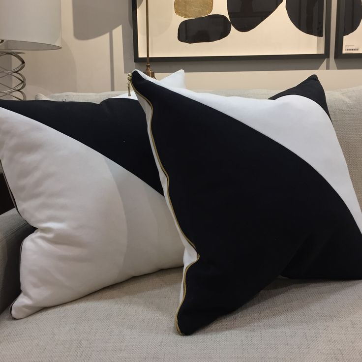 Black and white cushions by Hollie Cooper Interiors.  #cocoonfurnishingsshowroom #accessories #blackandwhite