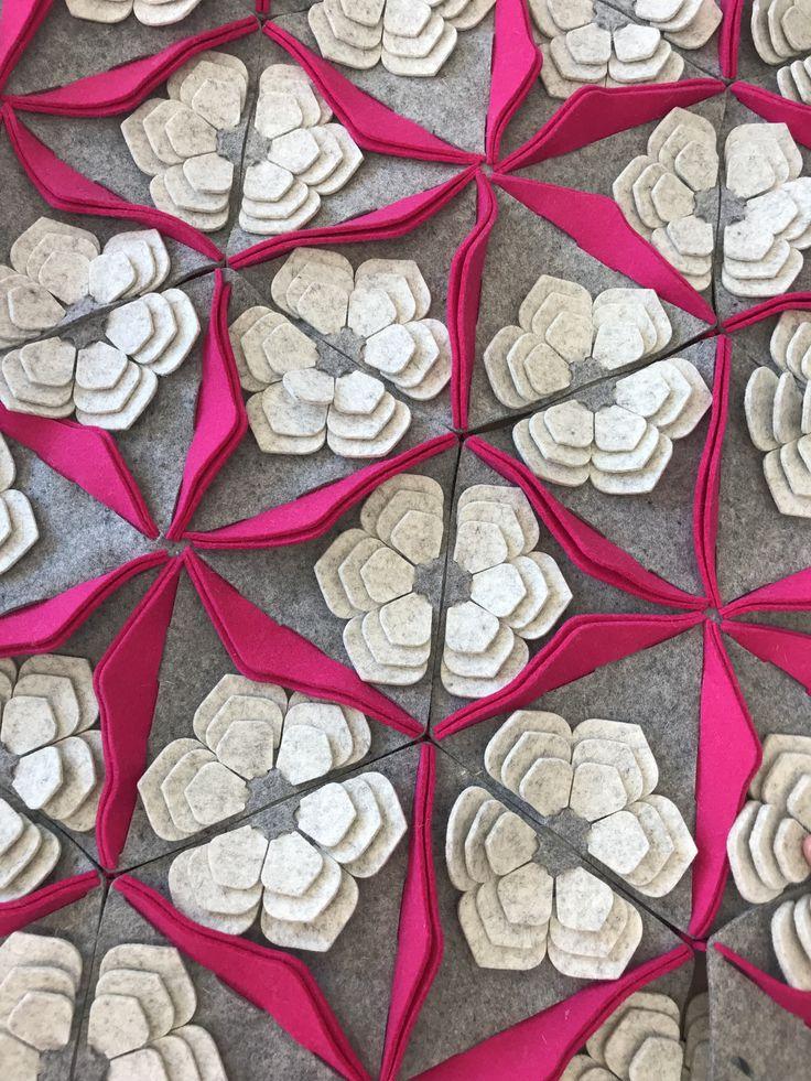 Detalle de nuestro tapete #FlordeDesierto diseñado por @lacucamalona .⠀ #diseñomexicano #DéjateQuerer⠀