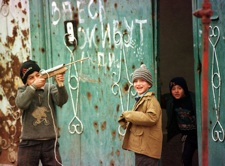 53 Photos Of Russia S Decade After The Collapse Of The Soviet
