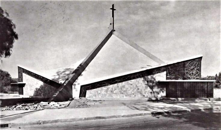 Lindavista, parroquia de la Divina Providencia en Av. Ticomán, 1965.