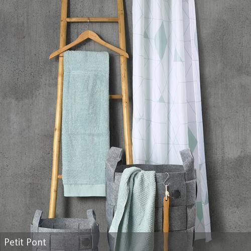tolles badezimmer makeover mithilfe eines duschvorhangs inspiration bild der eaabedfcefdbdaf tag pantone