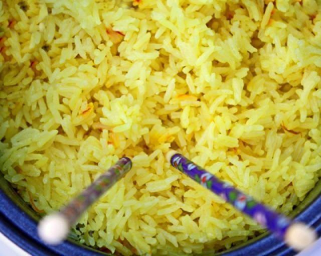 Super Simple Saffron Rice That's Incredibly Affordable: Beautiful Saffron Rice!