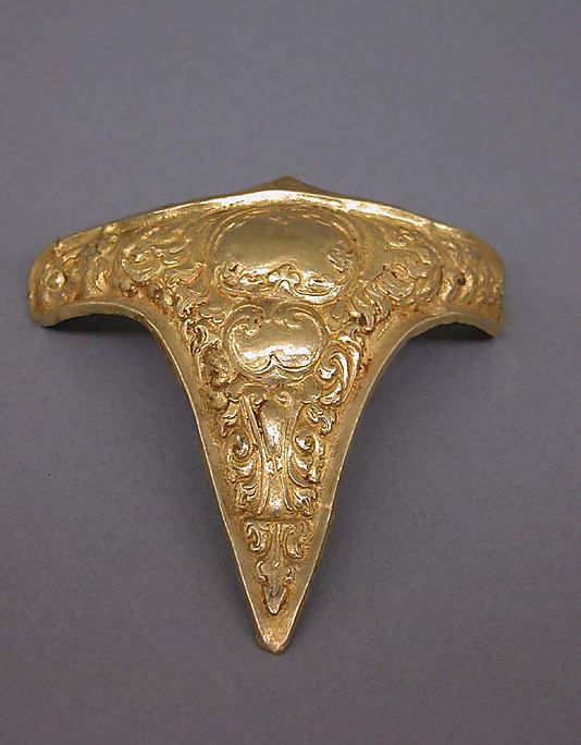 Main Design Component of an Armband  Period: late Central Javanese period Date: Second half of the 9th–first quarter of the 10th century Culture: Indonesia (Java) Medium: Gold Dimensions: H. 3 7/8 in. (9.8 cm); W. 3 7/8 in. (9.8 cm) Classification: Jewelry