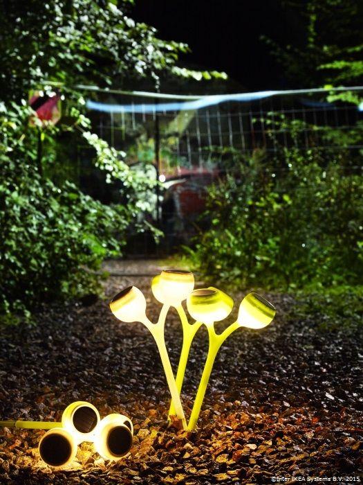 Vrei să te bucuri din plin de serile de primăvară? Lămpile SOLVIDEN se încarcă de la soare şi luminează fără fir pe timp de noapte.  www.IKEA.ro/lampa_solara_SOLVINDEN