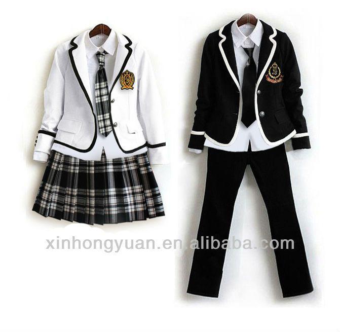 Es ropa para la escuela.  Es negro y blanco.  Mi opinion es la ropa no es estar de moda.
