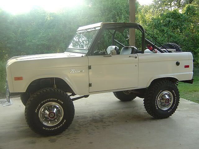 """Southern Rod & Gun — This is one of the best """"sitting""""'#FordBronco..."""
