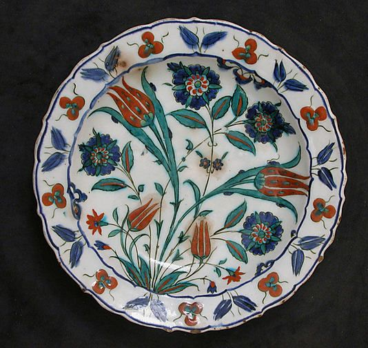 Dish | Iznik, Turkey, second half 16th century | Stonepaste; painted under transparent glaze | The Metropolitan Museum of Art, New York