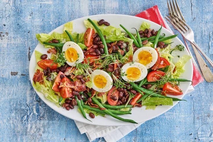 Kijk wat een lekker recept ik heb gevonden op Allerhande! Maaltijdsalade met spek, haricots verts en gebakken bonen