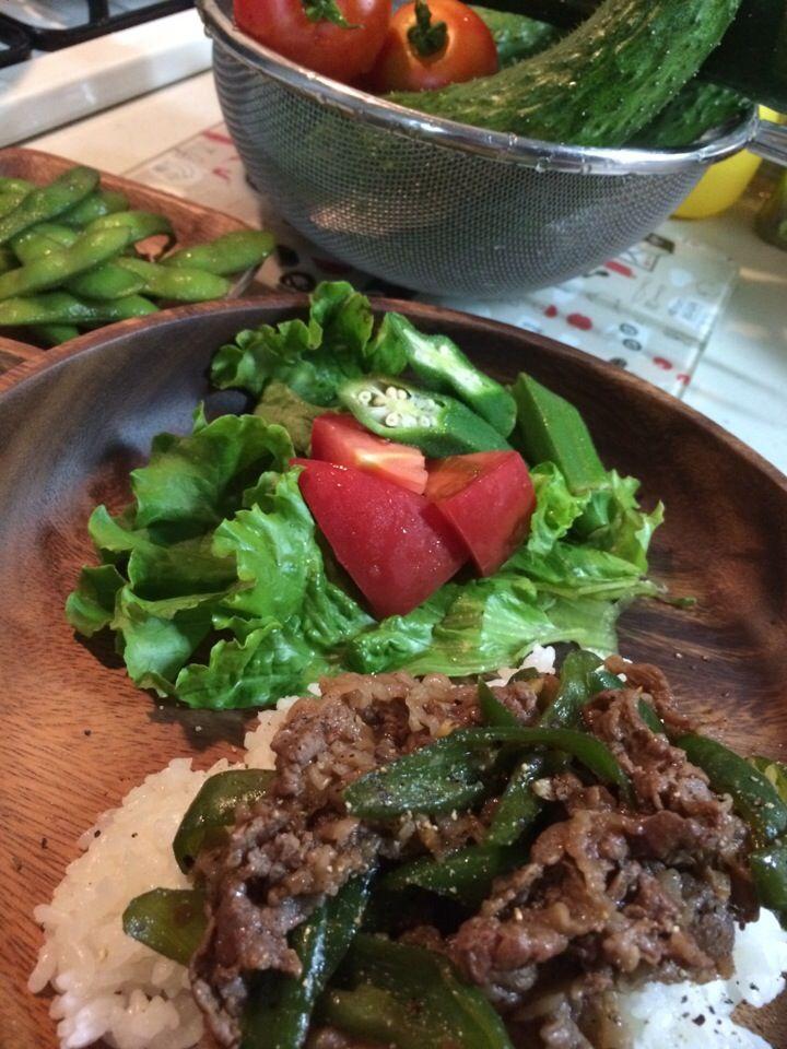 Kumiko Takayama's dish photo タイビール SINGHA 買ったから タイ料理  と思いつつ 激務にて 今夜は ケンタロウの簡単料理本  の 牛肉炒めかけご飯   オイスターソースは 食欲そそるね | http://snapdish.co #SnapDish #レシピ