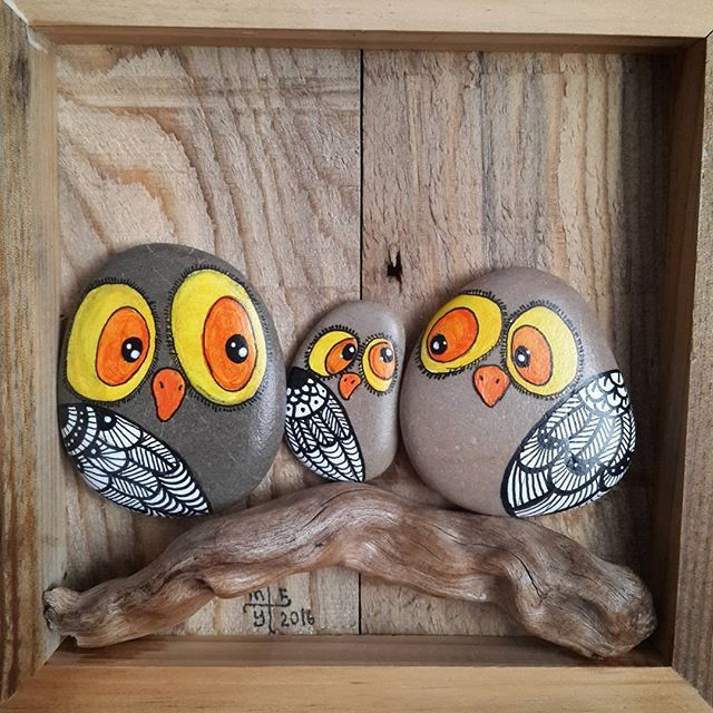 Owl Family... Baykuş Ailesi... #taşboyama #stonepainting #rockpainting #pebblepainting #pebbleart #paintedrocks #paintedstones #paintedpebbles #piedraspintadas #sassidipinti #illustration #owls