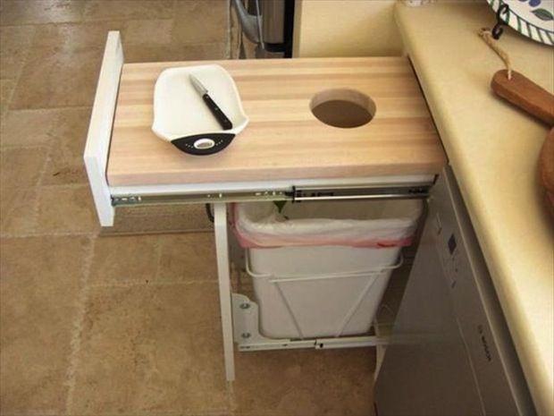 Geniaal idee voor afvalbakje. boat galley | Interesting Galley Idea: Build It In!