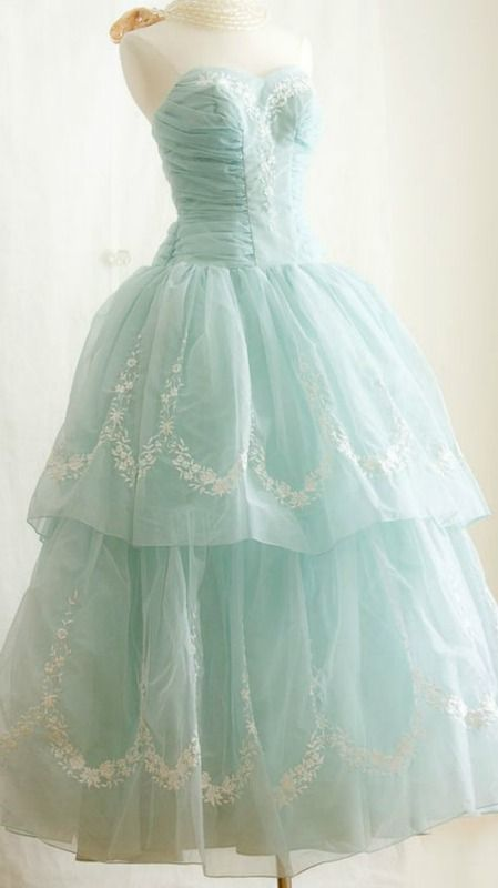 S p prom dresses vintage