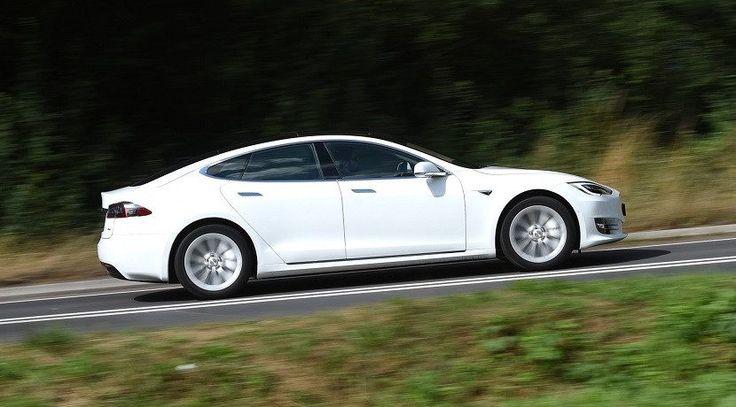 Tesla aumenta la autonomía de sus modelos para escapar de Irma - https://tuningcars.cf/2017/09/11/tesla-aumenta-la-autonomia-de-sus-modelos-para-escapar-de-irma/ #carrostuning #autostuning #tunning #carstuning #carros #autos #autosenvenenados #carrosmodificados ##carrostransformados #audi #mercedes #astonmartin #BMW #porshe #subaru #ford
