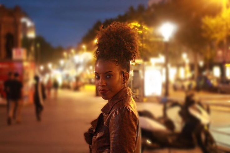"213 Likes, 4 Comments - Lifestyle Influencer (@eugeniasays) on Instagram: ""Midnight in Barcelona. 📸: @mspaulaj #naturalhair"""