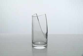 vaso in cristallo. Enzo Mari per Arnolfo di Cambio. diametro cm.10xh.21