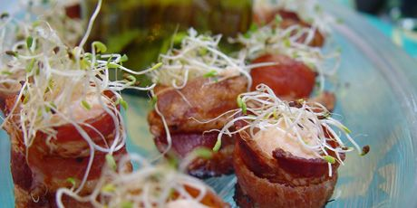 Crispy Bacon Rings with Smoked Salmon Mousse