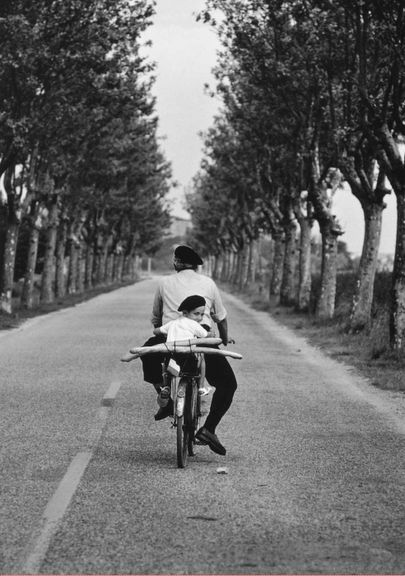 Black & White (anothereview: Provence, France, 1955. Elliott...)