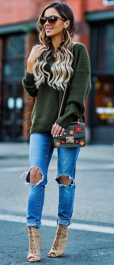 bag + ripped jeans + heels