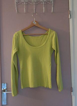 A vendre sur #vintedfrance ! http://www.vinted.fr/mode-femmes/autres-pull-overs-and-sweat-shirts/21911028-pull-vert-anisvert-pomme-chattawak