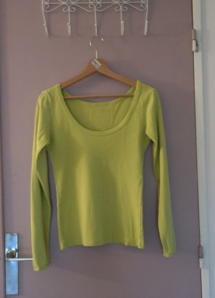 A vendre sur #vintedfrance ! http://www.vinted.fr/mode-femmes/autres-pull-overs-and-sweat-shirts/21911028-pull-vert-anisvert-pomme-chattawak
