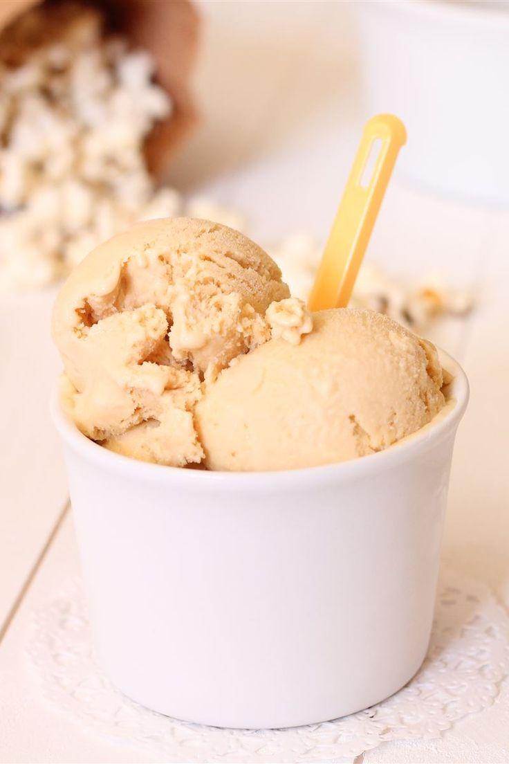 Il gelato pop corn e caramello sembrerebbe una combinazione un po' insolita ma, il dolce del caramello e il pizzico di salato dei pop corn creano una perfetta combinazione di sapori, senza sovrapporsi l'uno all'altro.