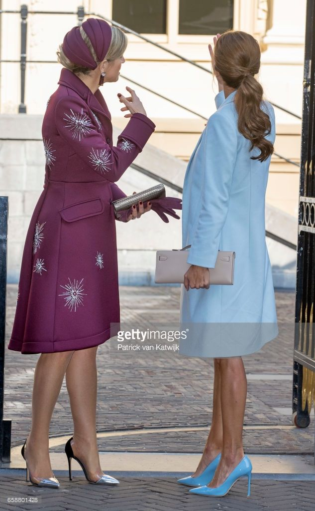 Queen Maxima of The Netherlands and First Lady of Argentina Juliana Awada visit the Mauritshuis museum on March 28, 2017 in The Hague, The Netherlands. The President of Argentina is in the Netherlands for a two-day official state visit.(Photo by Patrick van Katwijk/Getty Images)
