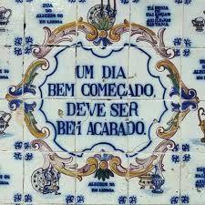 Resultado de imagem para azulejos portugueses com frases