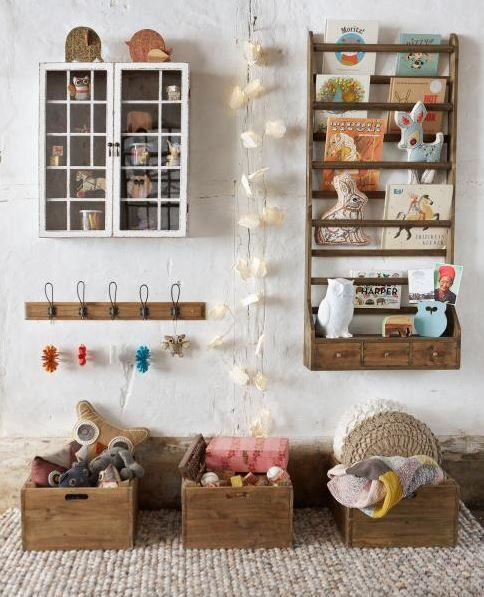 the boo and the boy: eclectic kids' rooms. Love everything about this, where can i find that book shelf?!