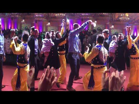 Virat Kohli & Shikhar Dhawan Bhangra With Gurdas Maan At Virushka Delhi Reception @youtube via @sunjayjk #anushkasharma #viratkohli #weddingreception #indianweddingreception, #indianreception #desi #indianwedding #virushka #virushkawedding #bollywood #bollywoodwedding