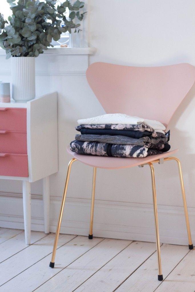Bedroom Inspiration ǁ Fritz Hansen products: Series 7™ anniversary chair by Arne Jacobsen