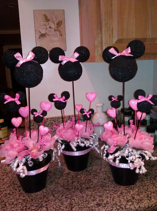 Minnie mouse center pieces katlin t more party ideas for Baby minnie mouse party decoration