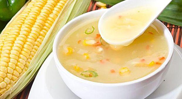 Zayiflatan mısır çorbası