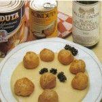 Bignole alla fonduta, piatto a base di formaggio fuso.