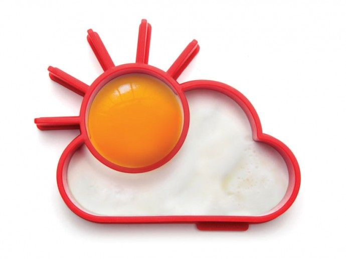 How would you like your egg in the morning? If you are looking for a new way to prepare sunny side eggs, say hi to designer Avihai Shurin who designed this awesome Egg Shaper that lets you create a shining sun through clouds. #Egg_Shaper