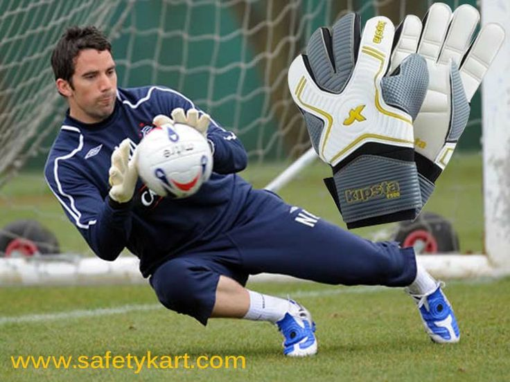 Keeps the hands of the goalkeeper free from injuries.#sportsafety
