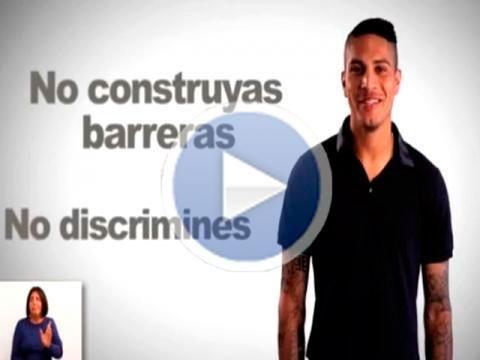 Medios españoles destacan labor de Paolo Guerrero en campaña contra el racismo [VIDEO]