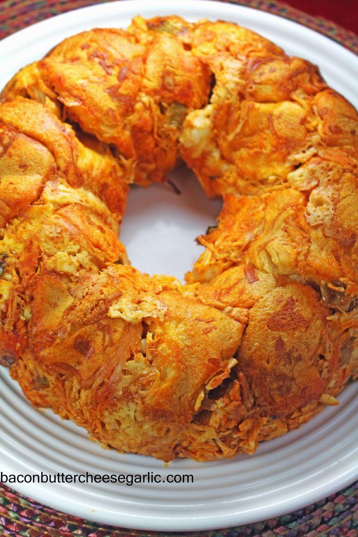 Bacon, Butter, Cheese & Garlic: Buffalo Chicken Bread Ring