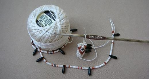 russian bead crochet photo tutorial ༺✿ƬⱤღ http://www.pinterest.com/teretegui/✿༻