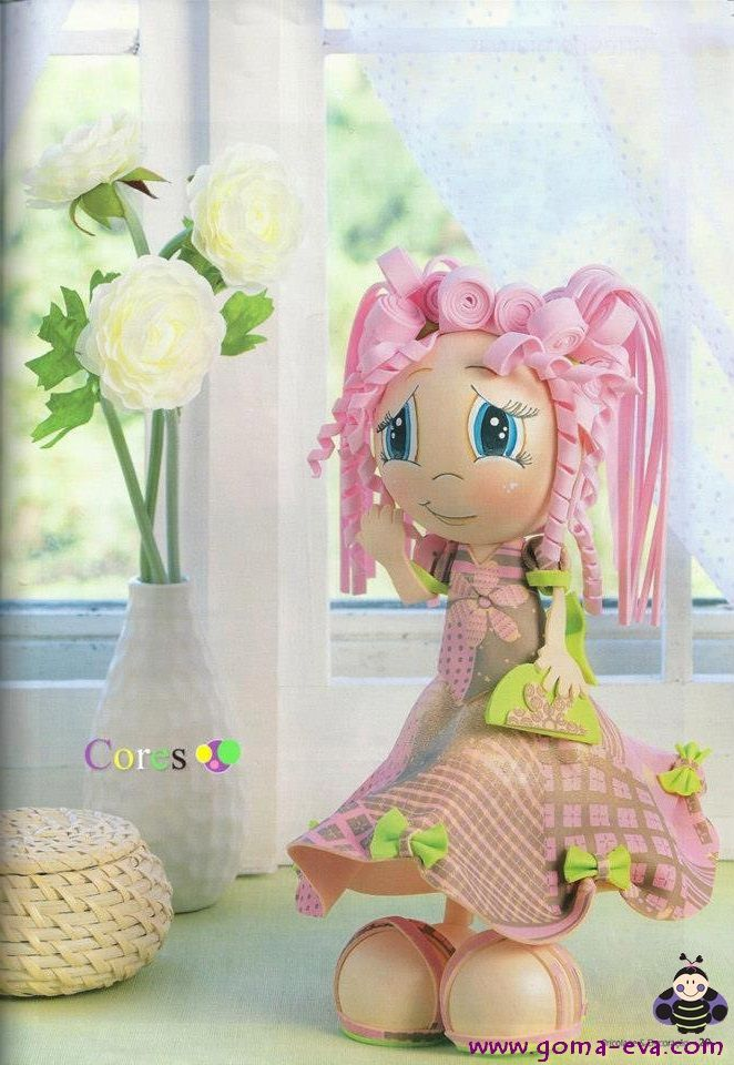 adorable doll (complete tutorial NOT in English)...good photos and patterns