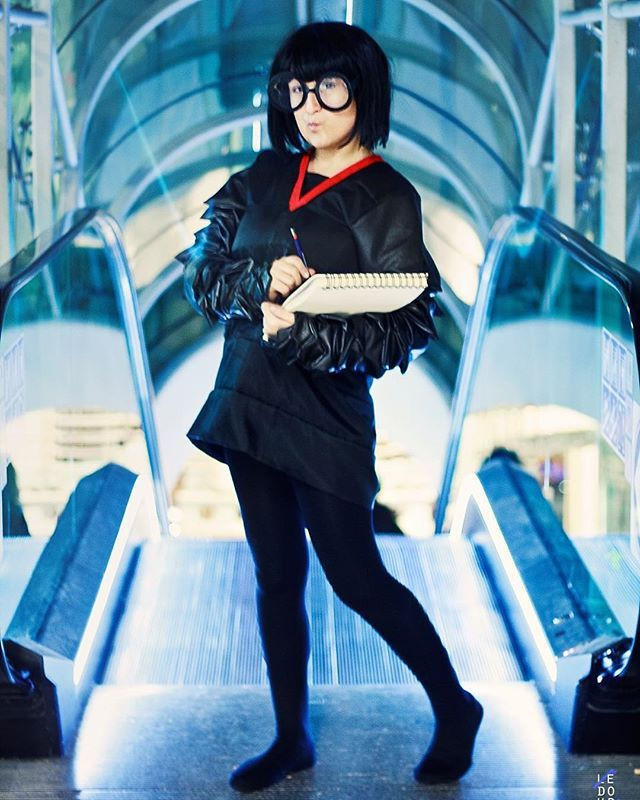 Pin for Later: 35+ Pixar Costumes to Make Your Halloween Bright and Terrific Edna Mode — The Incredibles
