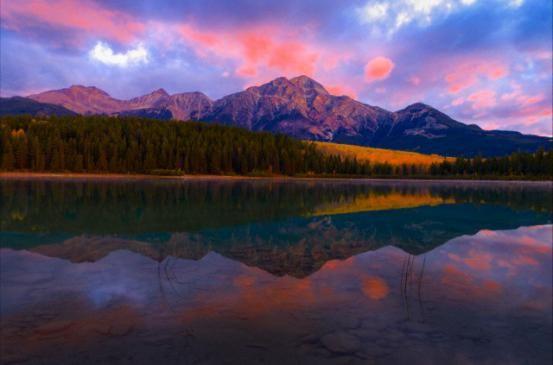 <p><strong>Alberta Canada: </strong></p><p>Prachtige meren en mooi berglandschap. Ideaal om samen te verdwijnen</p>