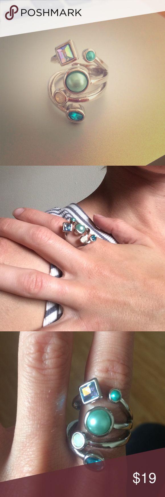 "Lia Sophia ""Comet"" Ring Beautiful ""Comet"" ring from Lia Sophia's last ever catalog. Size 7. In good condition! Lia Sophia Jewelry Rings"