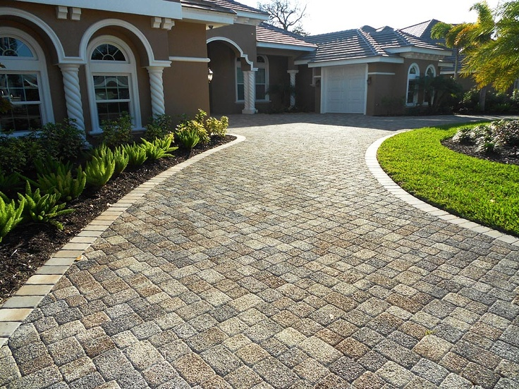 Pervious Pavers Green Collection Olde Towne 3pc Pervious Pavers Sierra installed in a random pattern in Sarasota, Florida by BC Pavers.