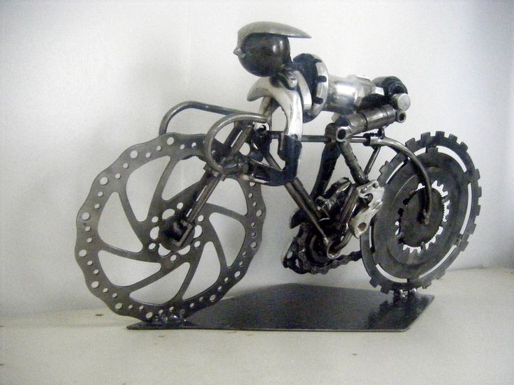 Cyclist. Recycled steel. Marti Wong sculpture.