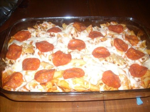 "Midweek Quick and Easy ""Pizza"" Casserole (Cheap!) 