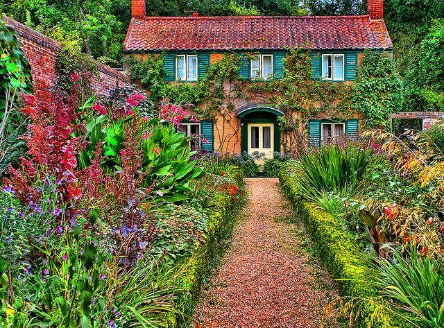 English Cottage Gardens | English Cottage Garden | Flickr - Photo Sharing!