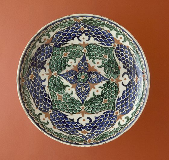 Plate Turkey, Iznik, 1580-1590 Ceramics Fritware, underglaze-painted