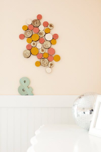 Easy, DIY Log Slice Art (http://blog.hgtv.com/design/2014/08/19/easy-diy-log-slice-art/?soc=pinterest): Wall Art, Diy Art Decor, Paint Colors, Log Art, Log Slice Art, Design Blog, Art Walls