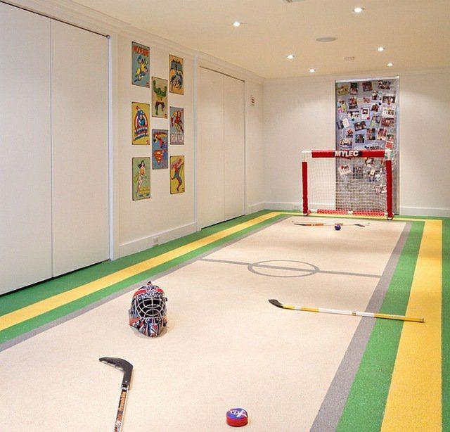 Sous sol transformé en terrain de hockey